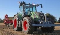 Первый российский беспилотный трактор