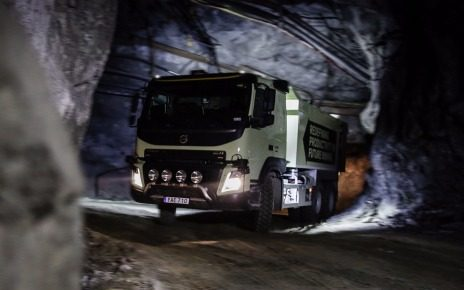 Робот-самосвал Volvo FMX