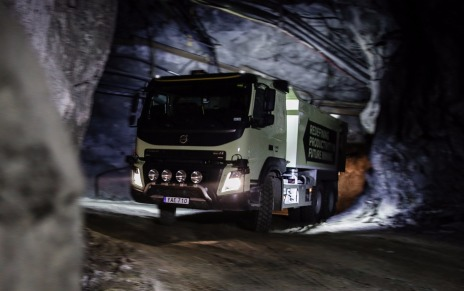 Робот-самосвал Volvo FMX