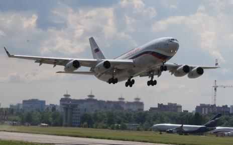 Дальнемагистральный самолет Ил-96